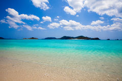 Águas azuis desobstruídas calmas de Japão do sul fotos de stock royalty free