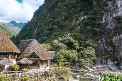 Águas Calientes, no pé de Machu Picchu imagem de stock royalty free