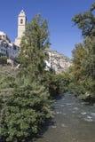 Águas claras do rio Jucar na ponte romana, à esquerda Foto de Stock Royalty Free