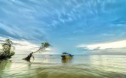 Águas da região selvagem da âncora do barco Imagem de Stock