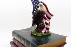 Águila en tres biblias 2 Imágenes de archivo libres de regalías