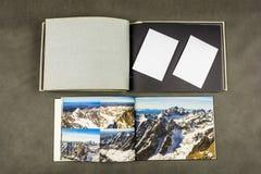 Álbum de foto retro moderno y viejo Fotos de archivo libres de regalías