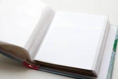 Álbum de foto vacío Un libro con las hojas en blanco primer foto de archivo libre de regalías