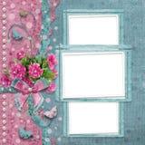 Álbum de fotografias velho do vintage com as peônias cor-de-rosa bonitas Foto de Stock Royalty Free