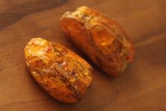 Ámbar de piedra mineral natural sin procesar crudo ambarino, una colección fotografía de archivo libre de regalías