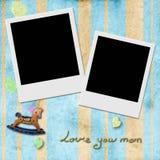 Ámele la mamá, capítulo de la foto de dos instantes en fondo azul Imagen de archivo