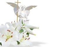 Ángel blanco y lirio blanco Imagen de archivo libre de regalías