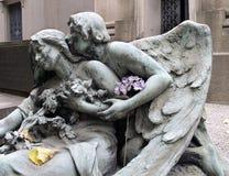 Ángel con el hydrangea Fotografía de archivo libre de regalías