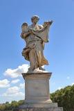 Ángel con el Sudarium en Roma, Italia fotografía de archivo libre de regalías