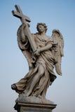 Ángel con la cruz Imágenes de archivo libres de regalías