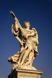 Ángel con la cruz Foto de archivo libre de regalías
