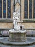 Ángel con la estatua de la garrafa Imagen de archivo libre de regalías