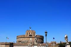 ` Ángel de Castel Sant en Roma, Italia imagenes de archivo