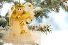 Ángel de la Navidad en un árbol Fotografía de archivo