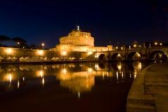 Ángel del santo del castillo en Roma, Italia fotografía de archivo libre de regalías