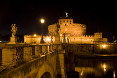 Ángel del santo del castillo en Roma, Italia Foto de archivo libre de regalías