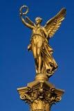 Ángel delante del Rudolfinum Foto de archivo libre de regalías