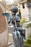 Ángel en el cementerio Foto de archivo libre de regalías