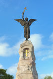 Ángel en el top del monumento de Russalka en Tallinn, Estonia imagen de archivo