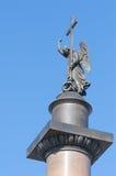 Ángel en el topof Alexander Column en StPetersburg Imagenes de archivo