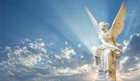 Ángel hermoso en cielo Fotos de archivo libres de regalías