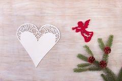 Ángel y corazón como decoración de la Navidad Fotos de archivo