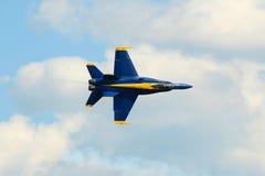 Ángeles azules en el gran salón aeronáutico de Nueva Inglaterra Imagen de archivo