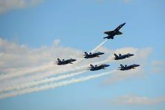 Ángeles azules en el gran salón aeronáutico de Nueva Inglaterra Imagenes de archivo
