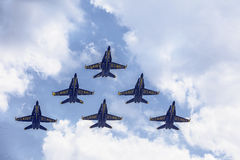 Ángeles azules en el vuelo de la formación Fotos de archivo libres de regalías