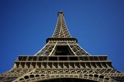 Ángulo del extremo de la torre Eiffel Fotografía de archivo libre de regalías