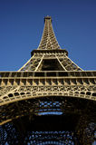 Ángulo del extremo de la torre Eiffel Imagen de archivo libre de regalías