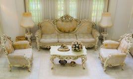 Ángulo superior de una sala de estar lujosa Imagen de archivo