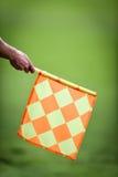 Árbitro assistente durante o fósforo de futebol Imagens de Stock Royalty Free