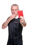 Árbitro del balompié que muestra la tarjeta roja imagen de archivo libre de regalías