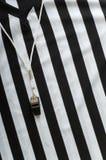 Árbitro Jersey y silbido Foto de archivo