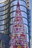Árbol artificial de Navidad en el eje #3, Milán del negocio Foto de archivo libre de regalías