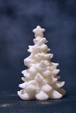 Árbol blanco de Navidad Fotos de archivo libres de regalías