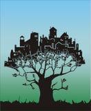 Árbol - ciudad Imagen de archivo