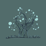 Árbol con las ramas y las hojas, hierba Foto de archivo libre de regalías