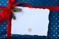 Árbol de Art Blue Christmas; Paisaje de la Navidad del invierno Nevado foto de archivo libre de regalías