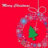 Árbol de la guirnalda y de pino en fondo rojo Fotografía de archivo libre de regalías