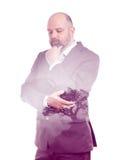 Árbol de la púrpura de la exposición doble del hombre de negocios Foto de archivo