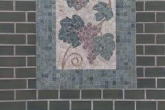 Árbol de las tejas de mosaico en la pared Fotografía de archivo libre de regalías