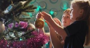 Árbol de navidad almacen de metraje de vídeo