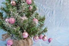 Árbol de navidad adornado Fotos de archivo libres de regalías