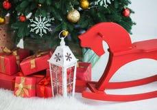 Árbol de navidad adornado para la celebración Imágenes de archivo libres de regalías