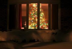 Árbol de navidad casero agradable Imágenes de archivo libres de regalías