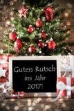 Árbol de navidad con el efecto de Bokeh, texto 2017 Imagenes de archivo