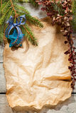 Árbol de navidad con la decoración Imagenes de archivo