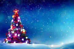 Árbol de navidad con las decoraciones Foto de archivo libre de regalías